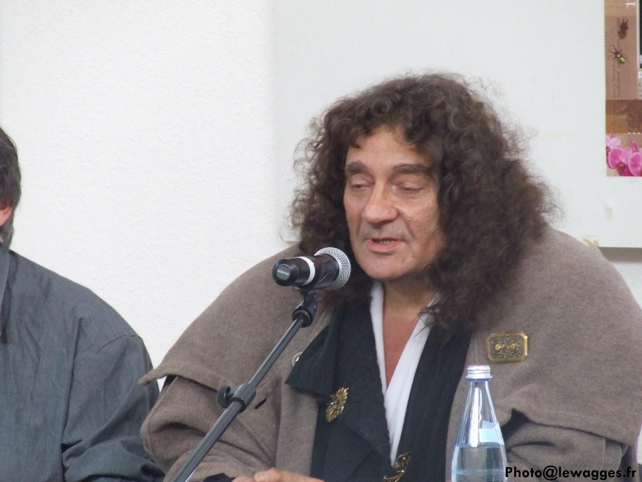 Patrick Tort lors du «Printemps des philosophes» consacré à Darwin en avril 2012 à Ribeauvillé